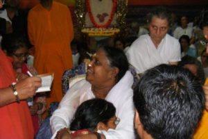 Devotees join 'Amma', India's 'hugging saint' Mata Amritanandamayi