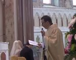 Singing priest's Hallelujah wows wedding guests