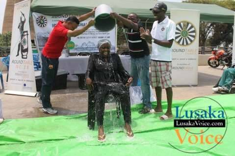 Airtel MD Charity Chanda Lumpa took part in the Ice Bucket  Challenge organised by Zambia Round Table     - Jean Mandela