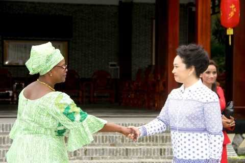 First Lady Esther Lungu being welcomed by China First Lady Peng Liyuan when she visited Bei Reng Village. The Purpose of the First Lady's visit to the village was to learn more about village modernisation