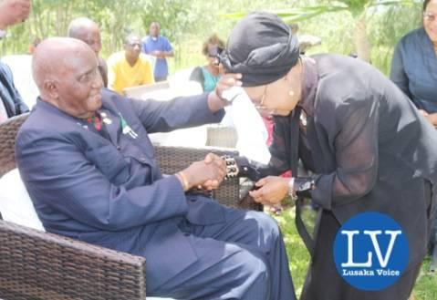 KK and mama Chibesa Kankasa  - Photo Credit Jean Mandela - Lusakavoice.com