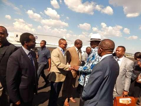 PRESIDENT LUNGU LEAVES FOR LUSAKA PRESIDENT LUNGU chats with his pilots before departing South Africa's Lanseria International Airport this afternoon (Picture by Nicky Shabolyo)