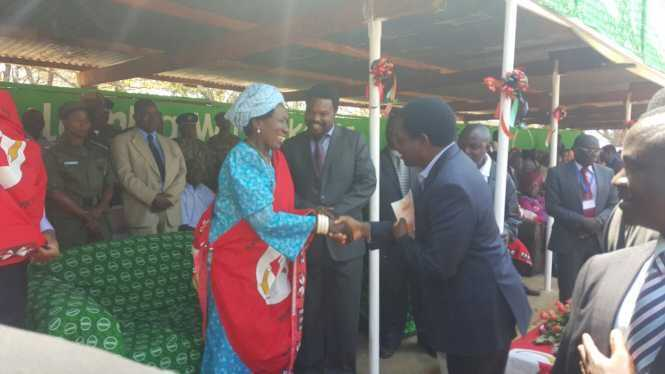 HH greets Wina at the Kulamba Traditional Ceremony at Paramount Chief Kalonga Gawa Undi of the Chewa speaking people of Eastern Zambia, Malawi and Mozambique