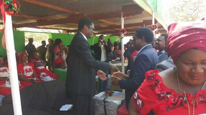 HH meets other delegates at Kulamba Traditional Ceremony at Paramount Chief Kalonga Gawa Undi of the Chewa speaking people of Eastern Zambia, Malawi and Mozambique