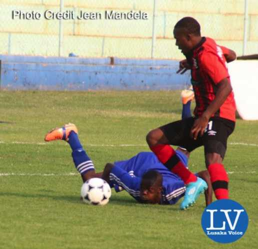 Nkwazi vs Zesco -  Nkwazi 3 Ken Lungu  vs Zanaco Boyd Musonda.  - Photo Credit Jean Mandela - Lusakavoice.com